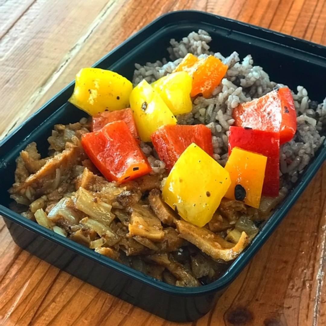 Vegan BBQ Pork, Congris and Tri Color Peppers