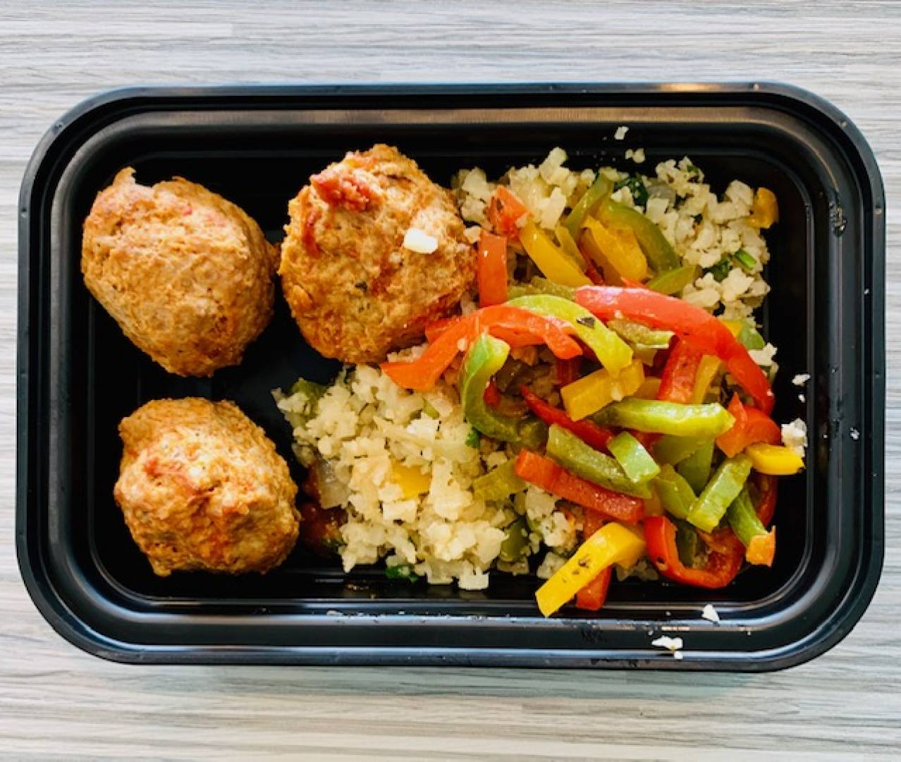 Turkey Meatball, Cauliflower Rice and Tri-Color Peppers
