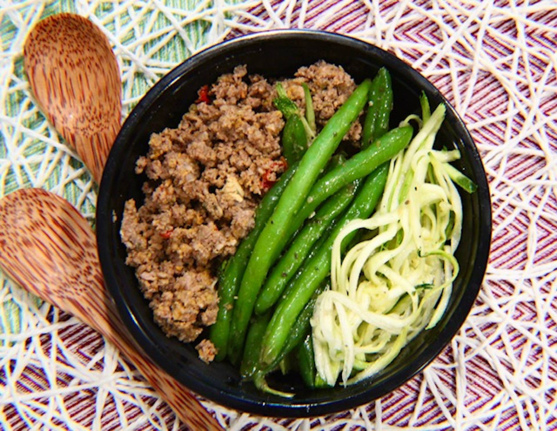 Ground Beef, Zucchini Noodles and Green Beans