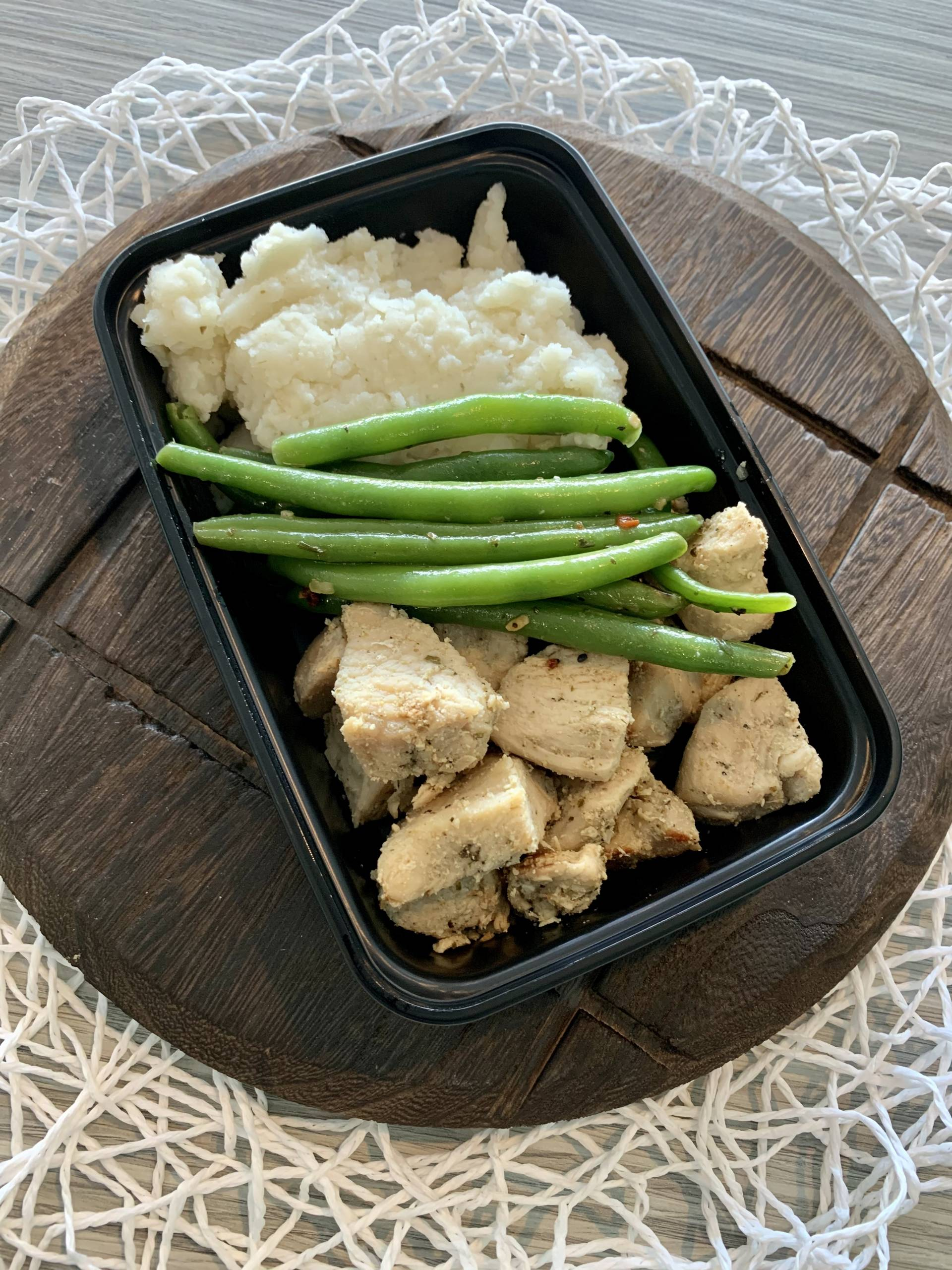 Grilled Chicken, Mashed Potato and Green Beans