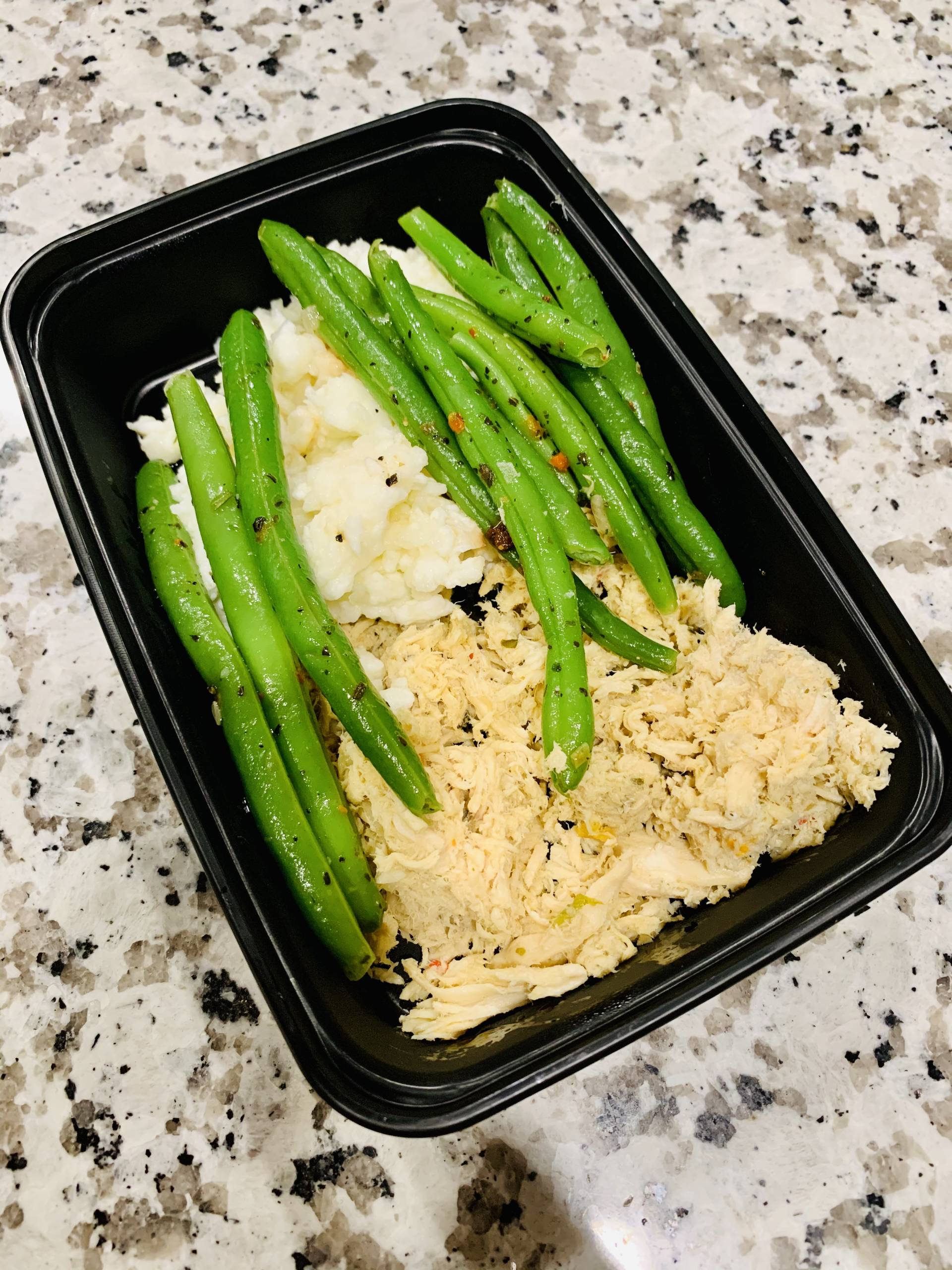 Scramble Egg Whites, Shredded Chicken and Green Beans