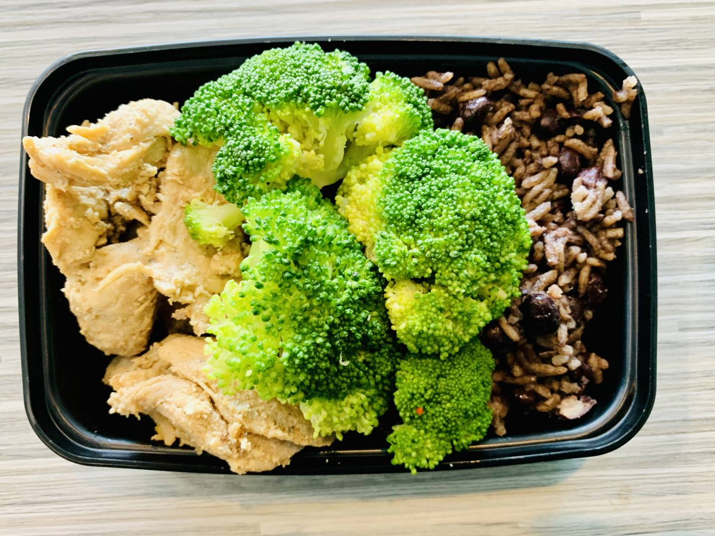 Grilled Chicken, Congris and Broccoli
