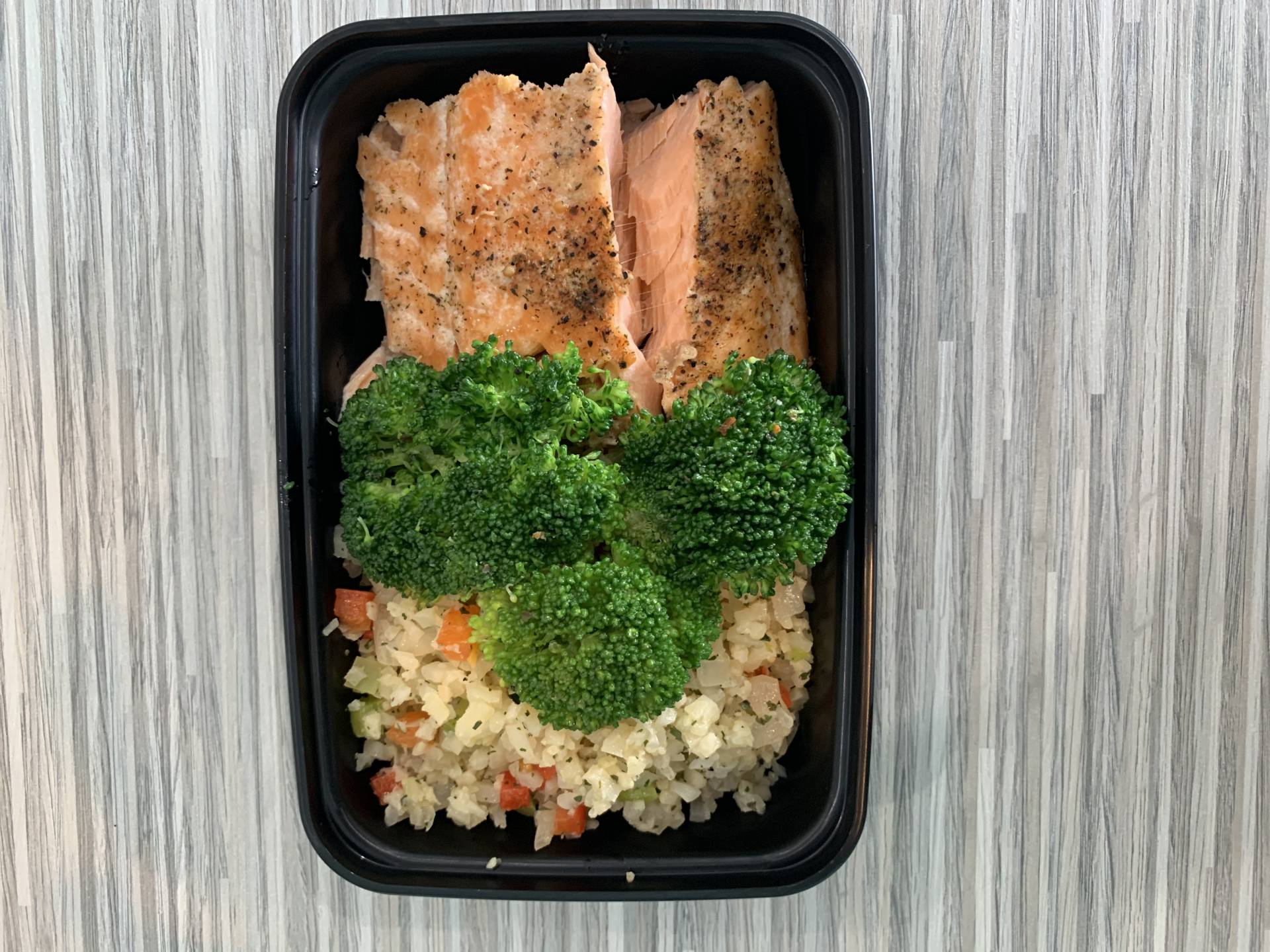 Atlantic Salmon, Cauliflower Rice and Broccoli