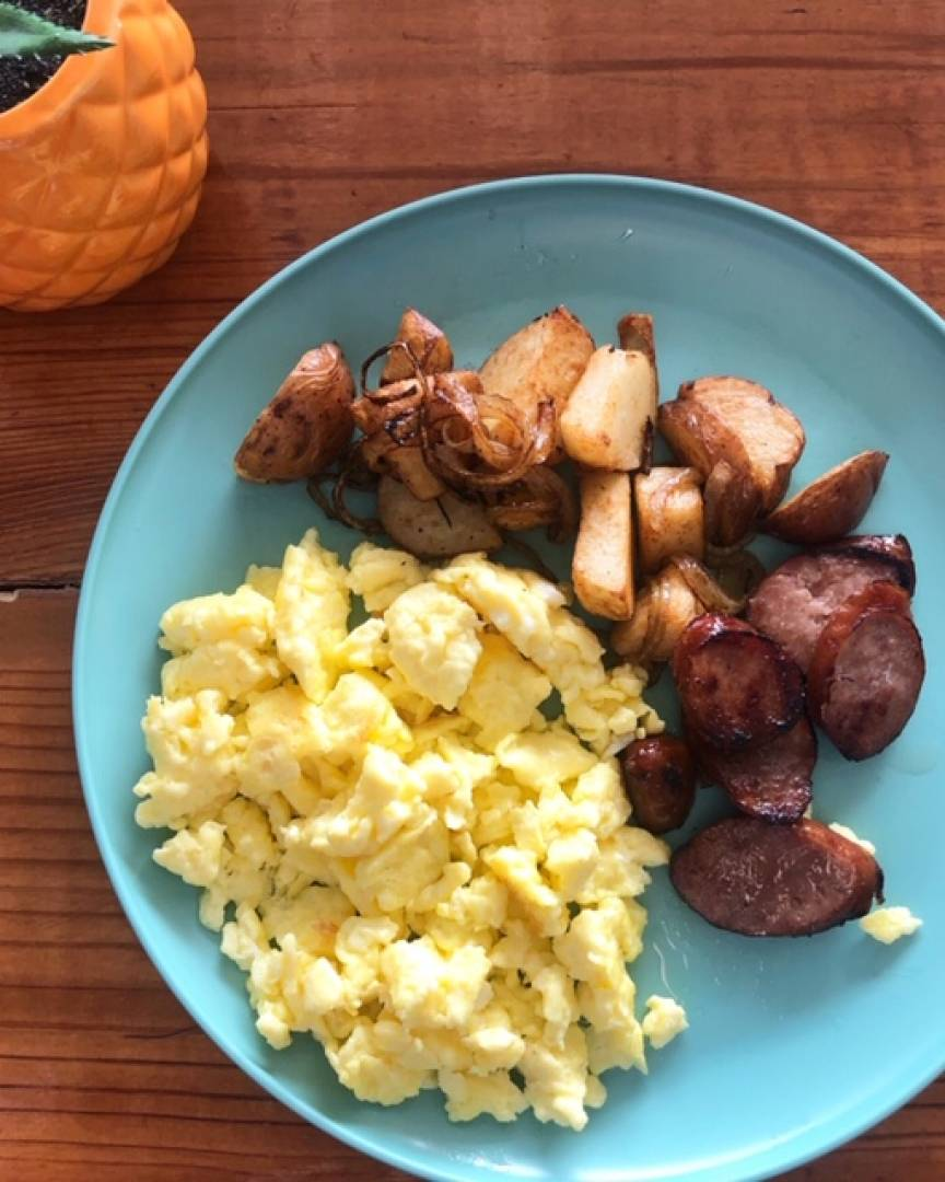 Scramble Eggs, Baby Potatoes and Sausage