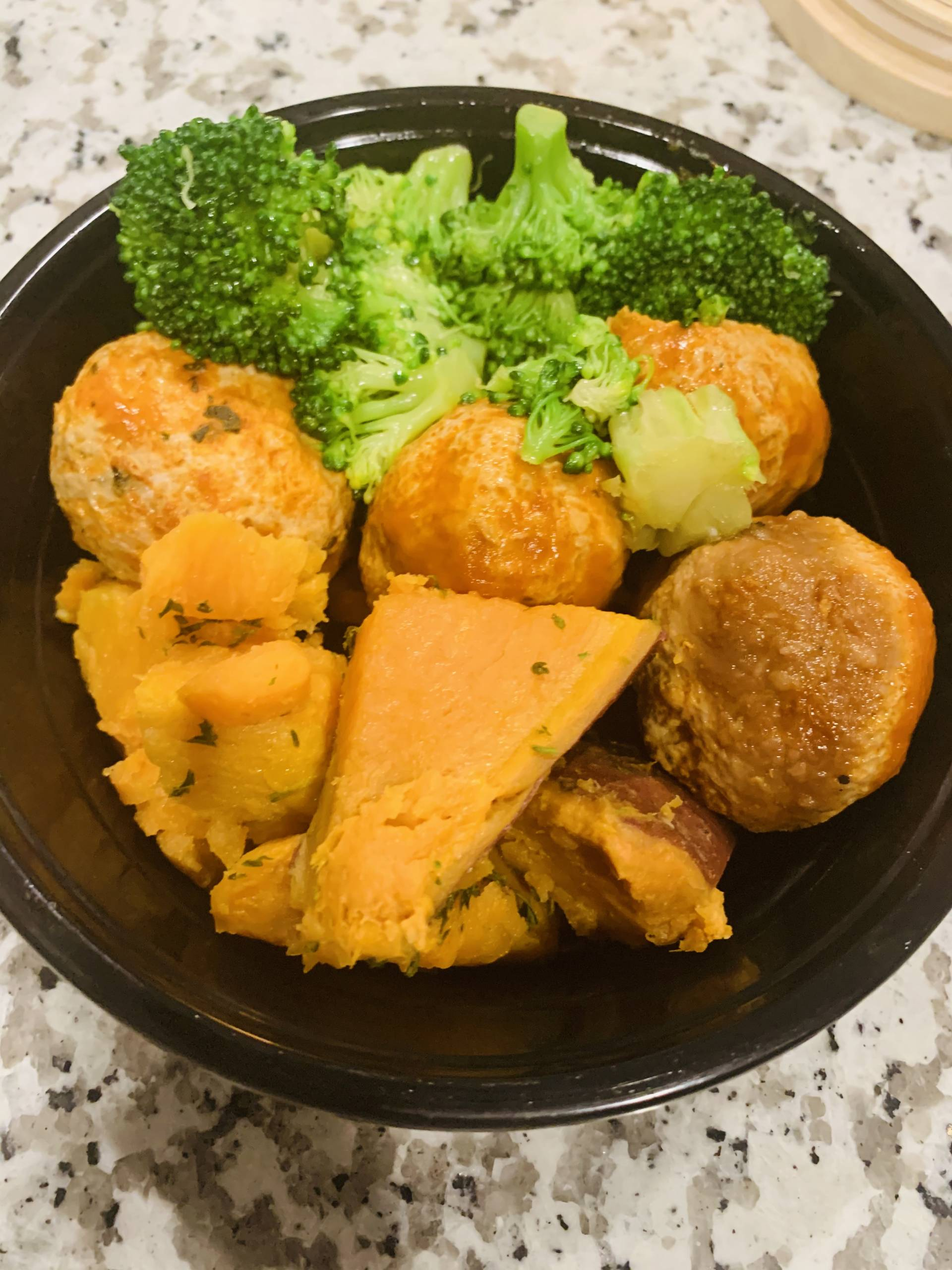 Turkey Meatballs, Sweet Potato and Broccoli